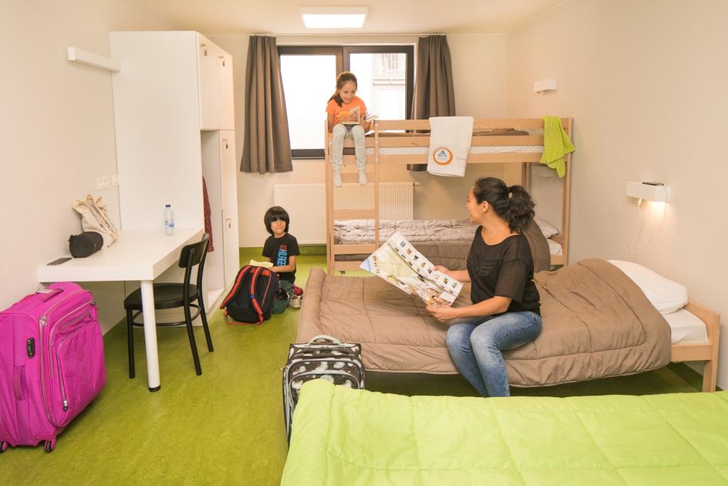 hostel-bruegel-brussel-ensuite-double__www.jeugdherbergen.be.jpg