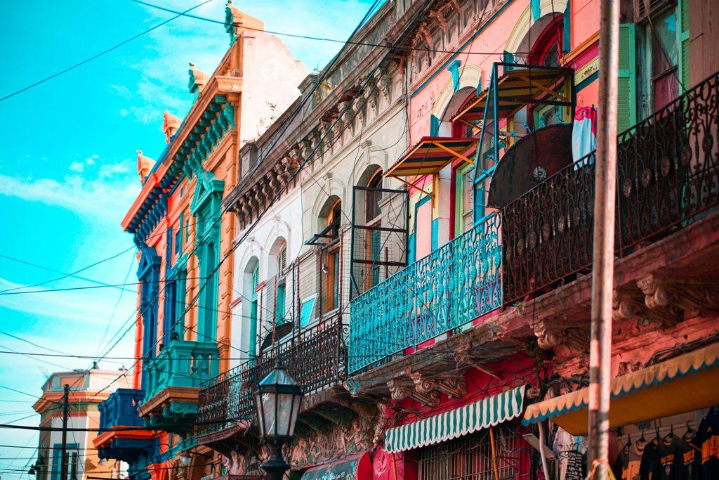 Potovanje_v_Buenos_Aires_-_Travel_to_Buenos_Aires_-_Photo_by_Barbara_Zandoval_on_Unsplash.jpg
