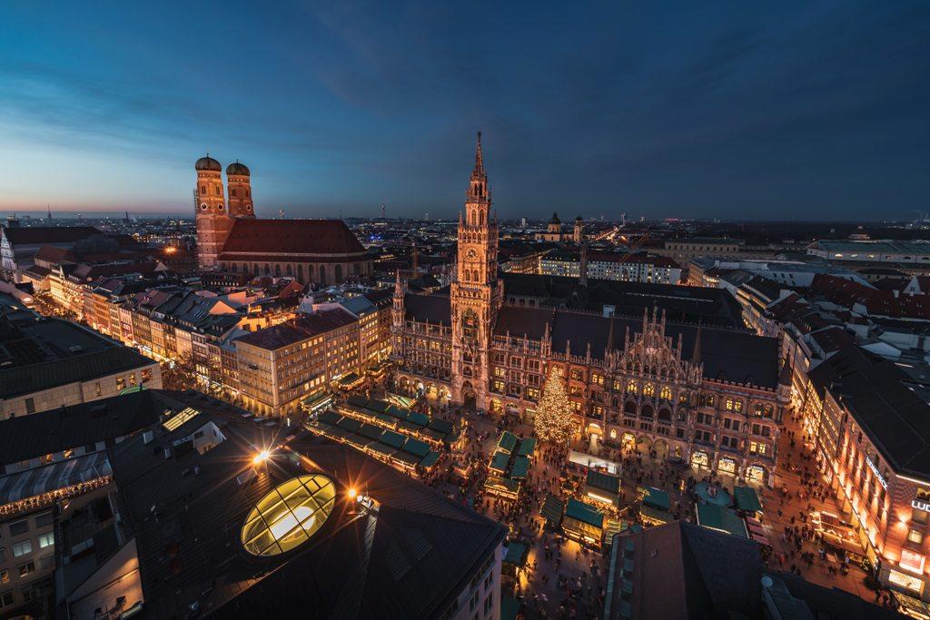 Potovanje_v_Munchen_-_Travel_to_Munich_-_Photo_by_Daniel_Sessler_on_Unsplash.jpg